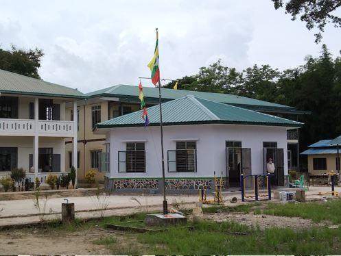 BEHS Sin Kaung Gyi (Kyone Phyo Township) スィンガウンジー校図書館