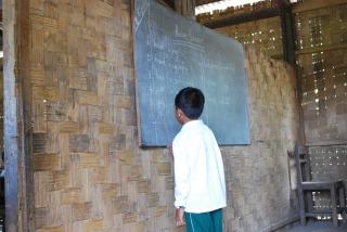 ミャンマー 英語授業.jpg