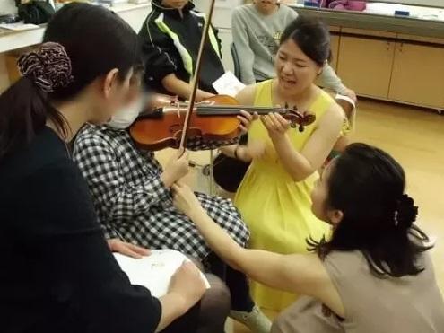 音楽プログラムを病院に届ける活動