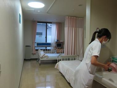 開放型のベッド.JPG